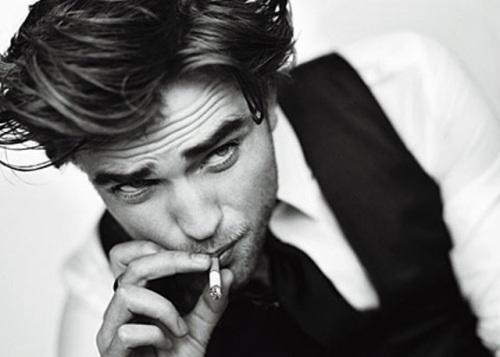 robert_pattinson_gq_smoker
